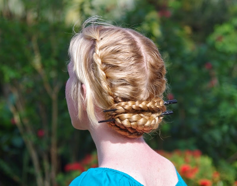 10 Braided Hairstyles For Long Hair: Braids & Hairstyles For Super Long Hair: Blonde Lace