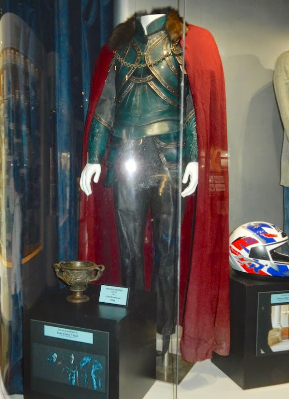 Luke Evans Dracula Untold movie costume