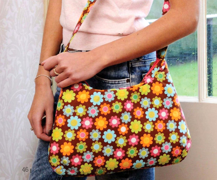 Bag with zipper