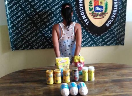 Policías envían a la cárcel a esta mujer que robó varias chucherías para sus hijos