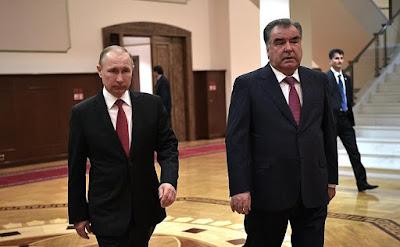 Vladimir Putin and Emomali Rahmon.