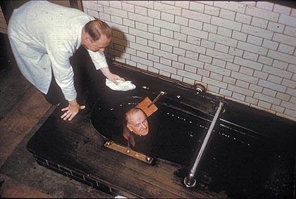 Торфяные ванны, Харрогит, Великобритания. С конца 1960-х на курорте закрыты все бальнеолечебницы, они перепрофилированы в торговые центры, рестораны, галереи.