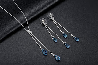 GoSparking Aquamarine Blue Tear Crystal 18K White Gold Plated (alloyset) £20.99