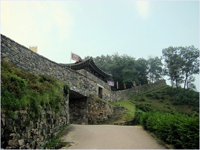 ป้อมคงซานซองเมืองคงจู (Gongsanseong Fortress)