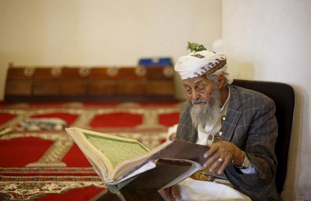 Kisah Inspiratif: Kakek Ini Hafal Quran Di Usia 70 Tahun, Bagaimana Dengan Kita?