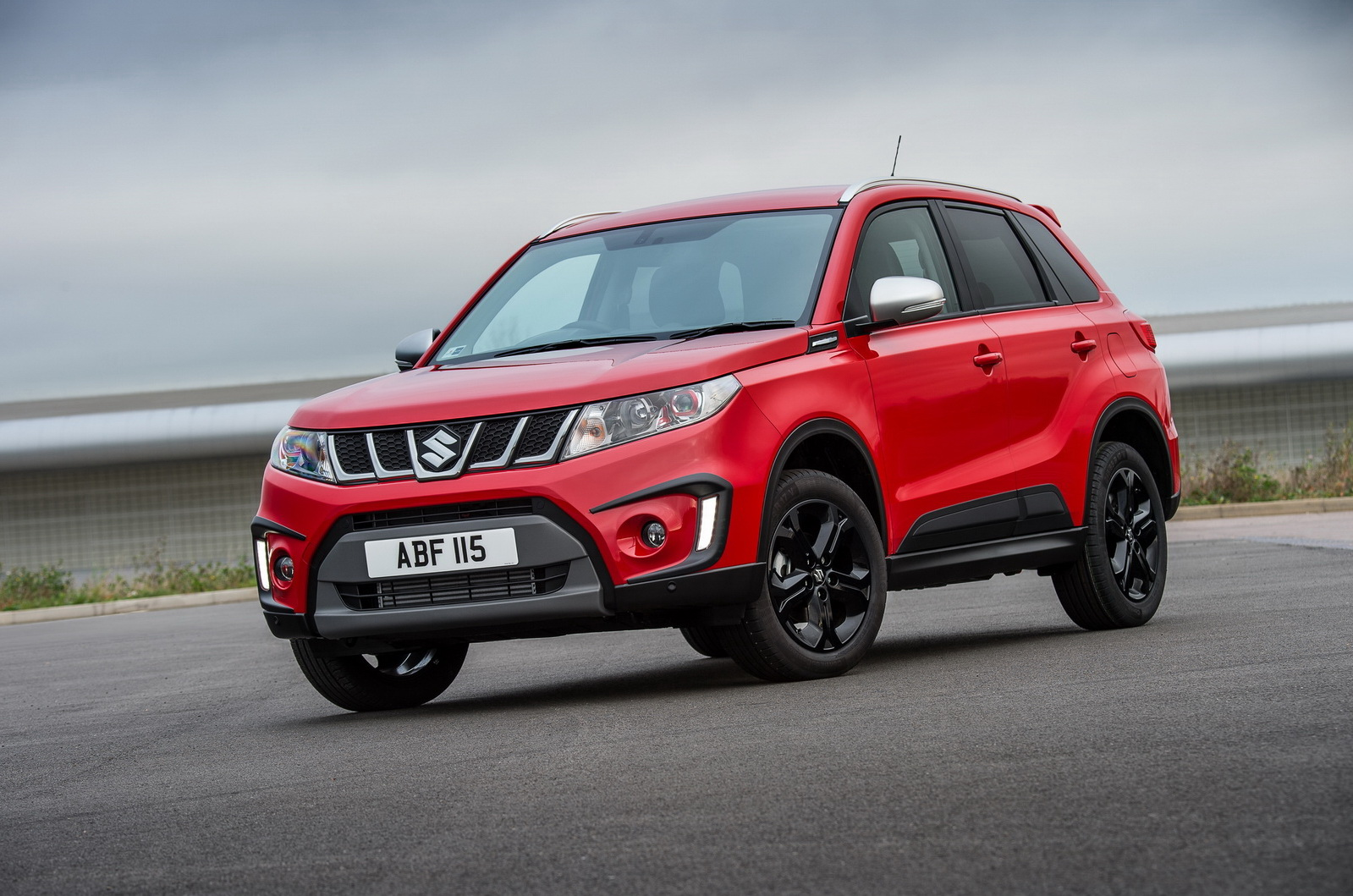 new suzuki vitara s debuts with turbo boosterjet 140ps engine carscoops. Black Bedroom Furniture Sets. Home Design Ideas