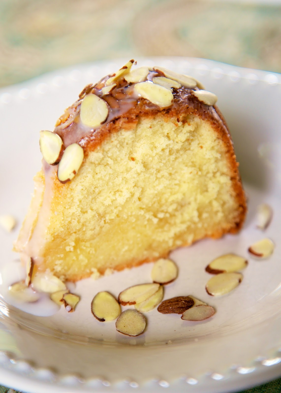 White Chocolate Amaretto Cake Recipe