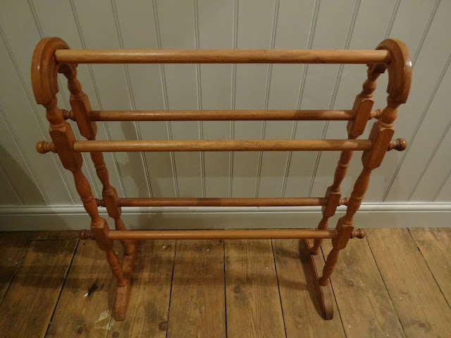 Upcycling an old vintage towel rail