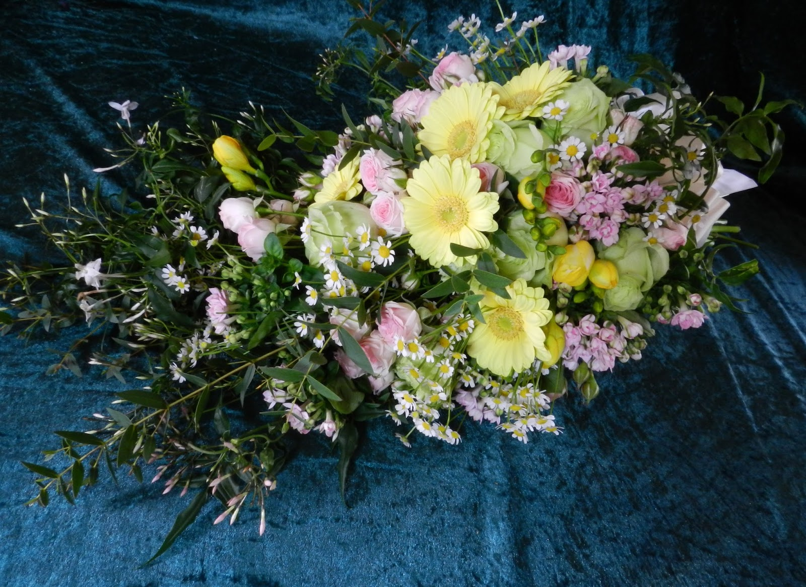 Sandras Flower Studio Pastel Daisy Wedding Flowers