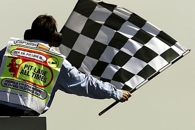 Penjelasan Jenis – Jenis Bendera Yang Dipakai Pada Balap Kendaraan Beroda Empat F1