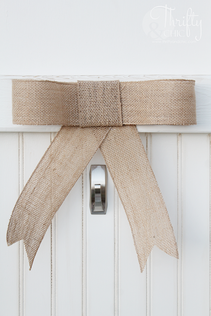 DIY Farmhouse barn door porch decor. Vintage door decor for your porch. Porch decor and decorating ideas.