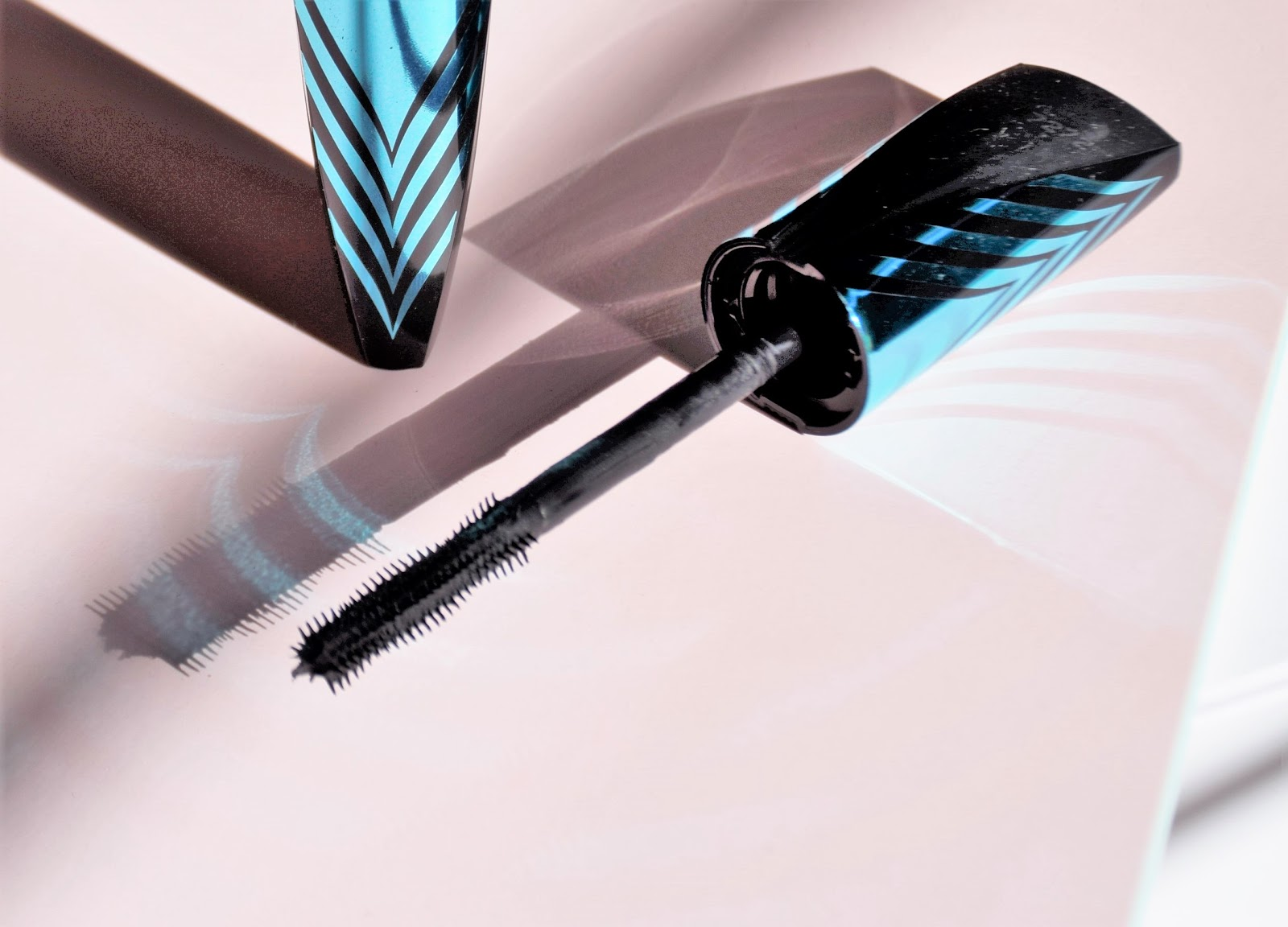 Australian Beauty Reviews Klara Reset Aqua 30ml Covergirl Peacock Flare Mascara Comes In A Pretty Tube It Has Medium Size Brush With Bristles Twist Pattern I Really Like Its