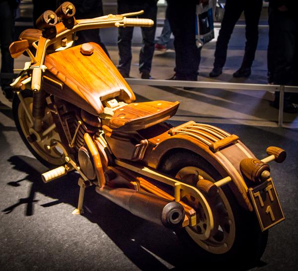 itserakennettu moottoripyörä custom puuveistos puinen moottoripyörä prätkä mpmessut moottoripyörämessut 2016