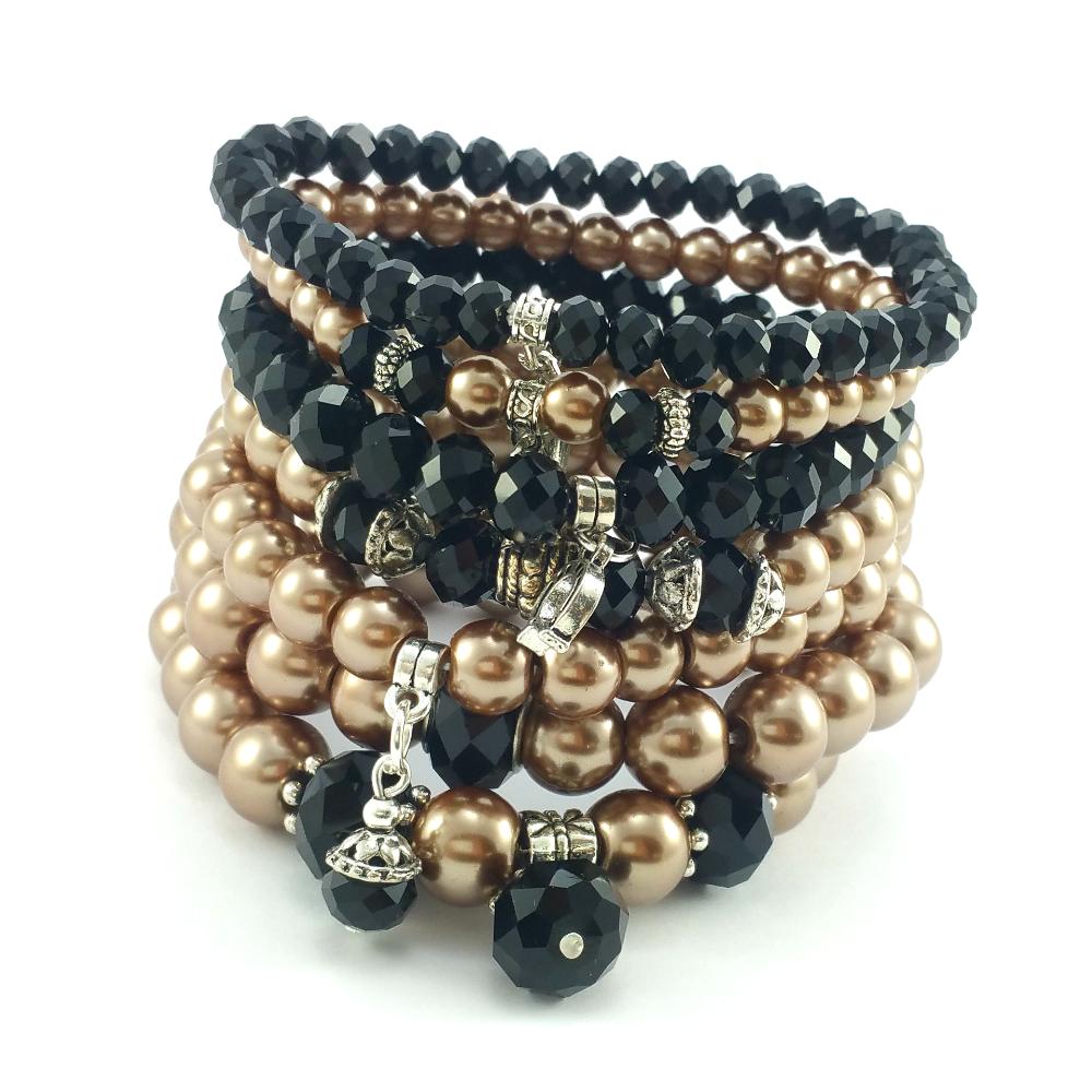 97b9960321b5 Nowe klasyczne bransoletki📿beżowe perły i czarne🖤kryształki szklane z  charmsami podkową🐎listem💌