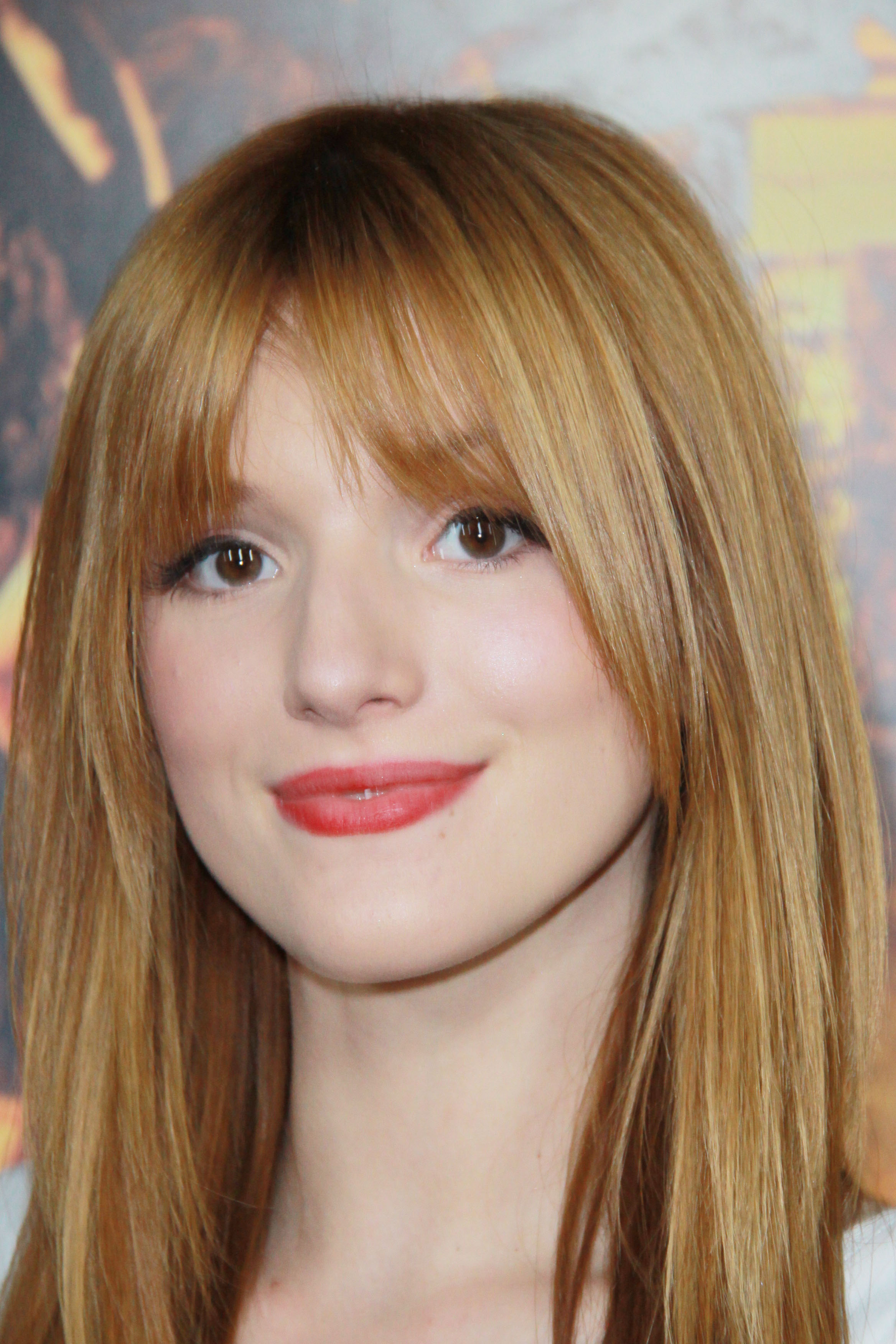 Bella Thorne pictures gallery (56) | Film Actresses
