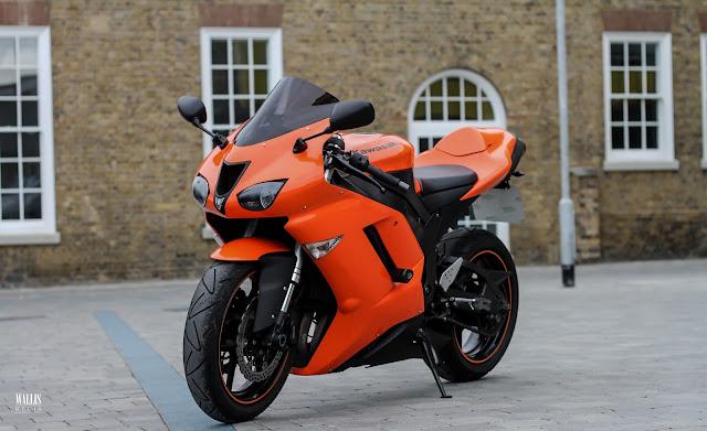 8 moto biker nào cũng muốn sở hữu với vẻ đẹp lạnh lùng 10