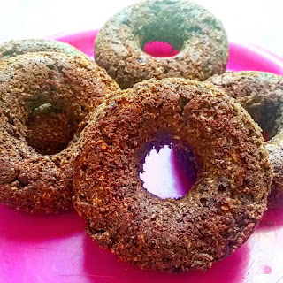 Moist, fruit-sweetened baked chocolate donuts made vegan and gluten-free! No oil! #fruitsohard #vegan #glutenfree #donuts #chocolate