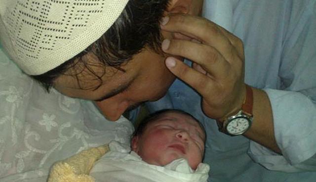 Islam di Perintahkan Untuk Mengumandangkan Azan Bayi Yang Baru Lahir, Ternyata Inilah Alasan Ilmiahnya