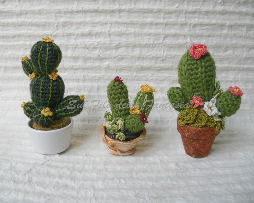 Manifantasia - https://www.manifantasia.it/cactus-riccioluto-amigurumi-uncinetto-tutorial/  | Facebook | 862x1078