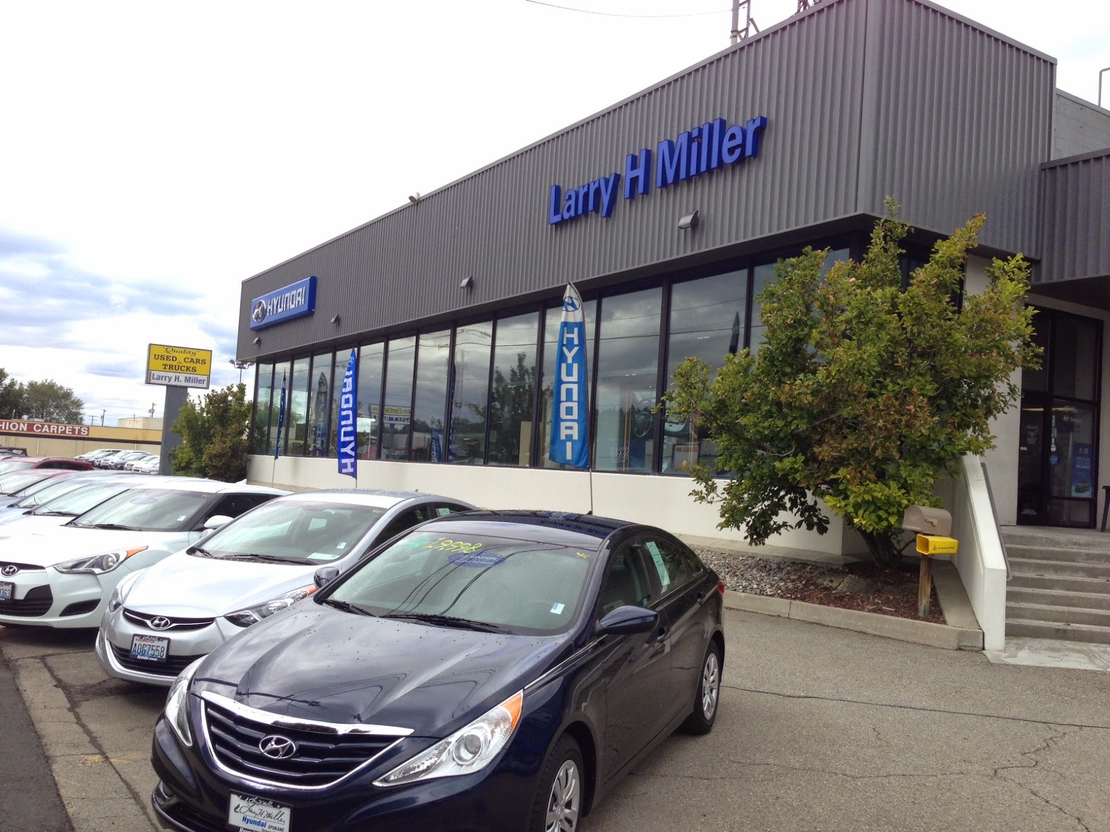 become part of the larry h miller hyundai spokane family larry h miller hyundai spokane. Black Bedroom Furniture Sets. Home Design Ideas