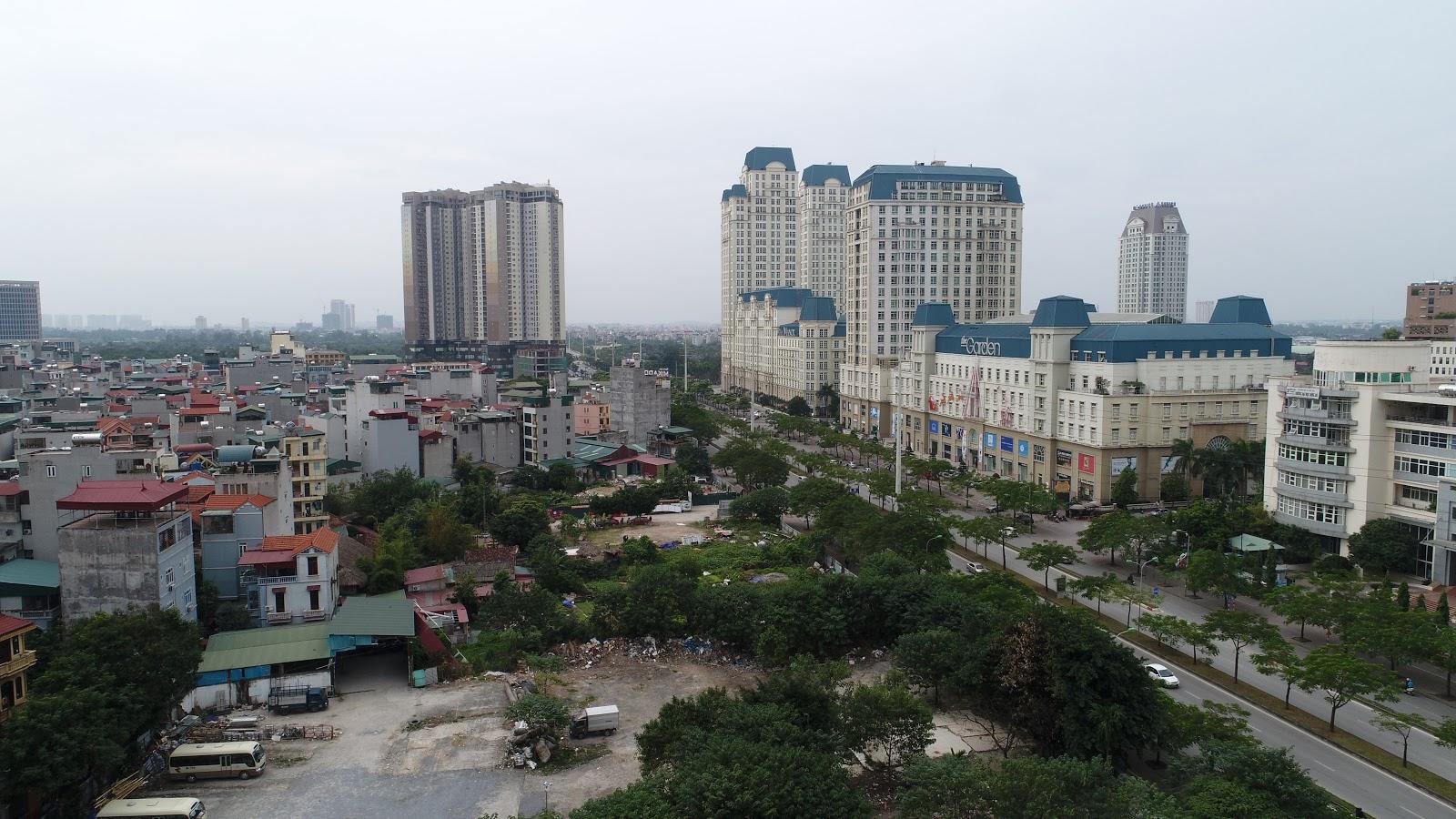 Hướng Tây Nam nhìn ra Golden Palace, đường Lê Quang Đạo