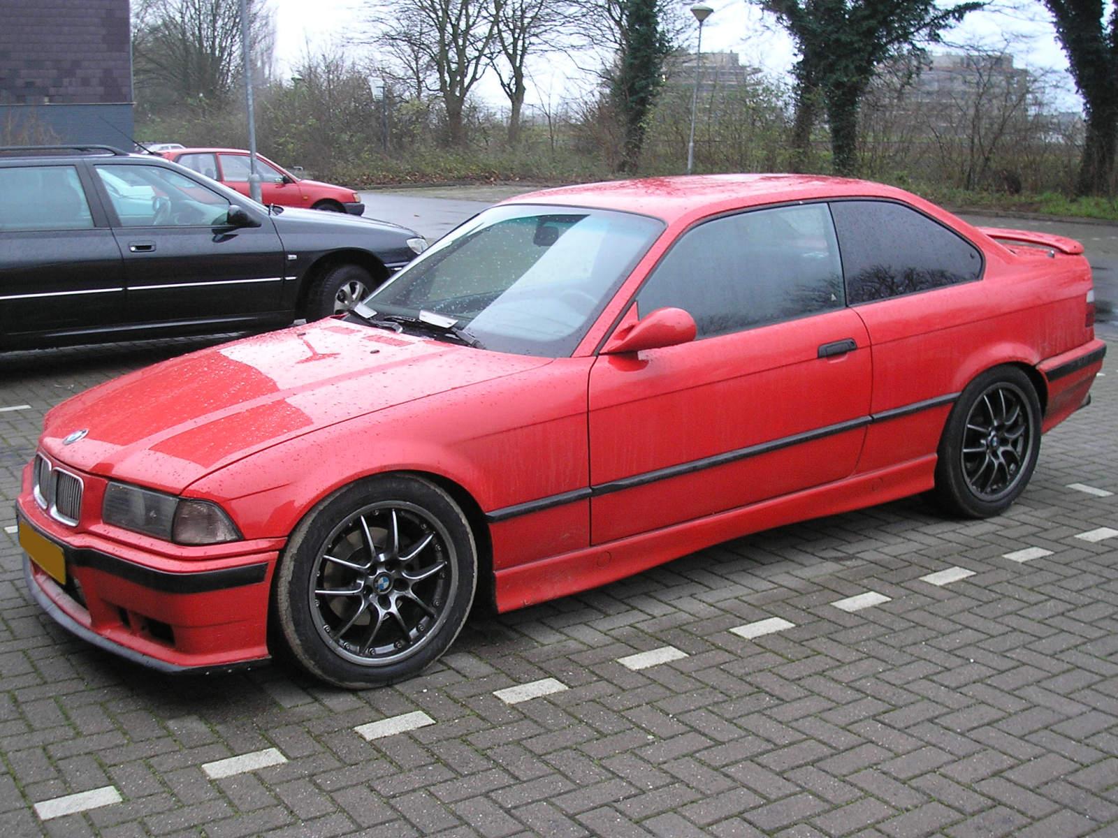 BMW E36: BMW E36 COUPE