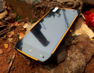 UHANS K5000 Outdoor Phone Android 4G LTE RAM 3GB IP68 Certified Baterai 5000mAh