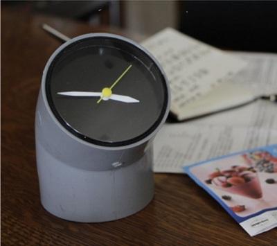 Jam meja unik dari pipa paralon