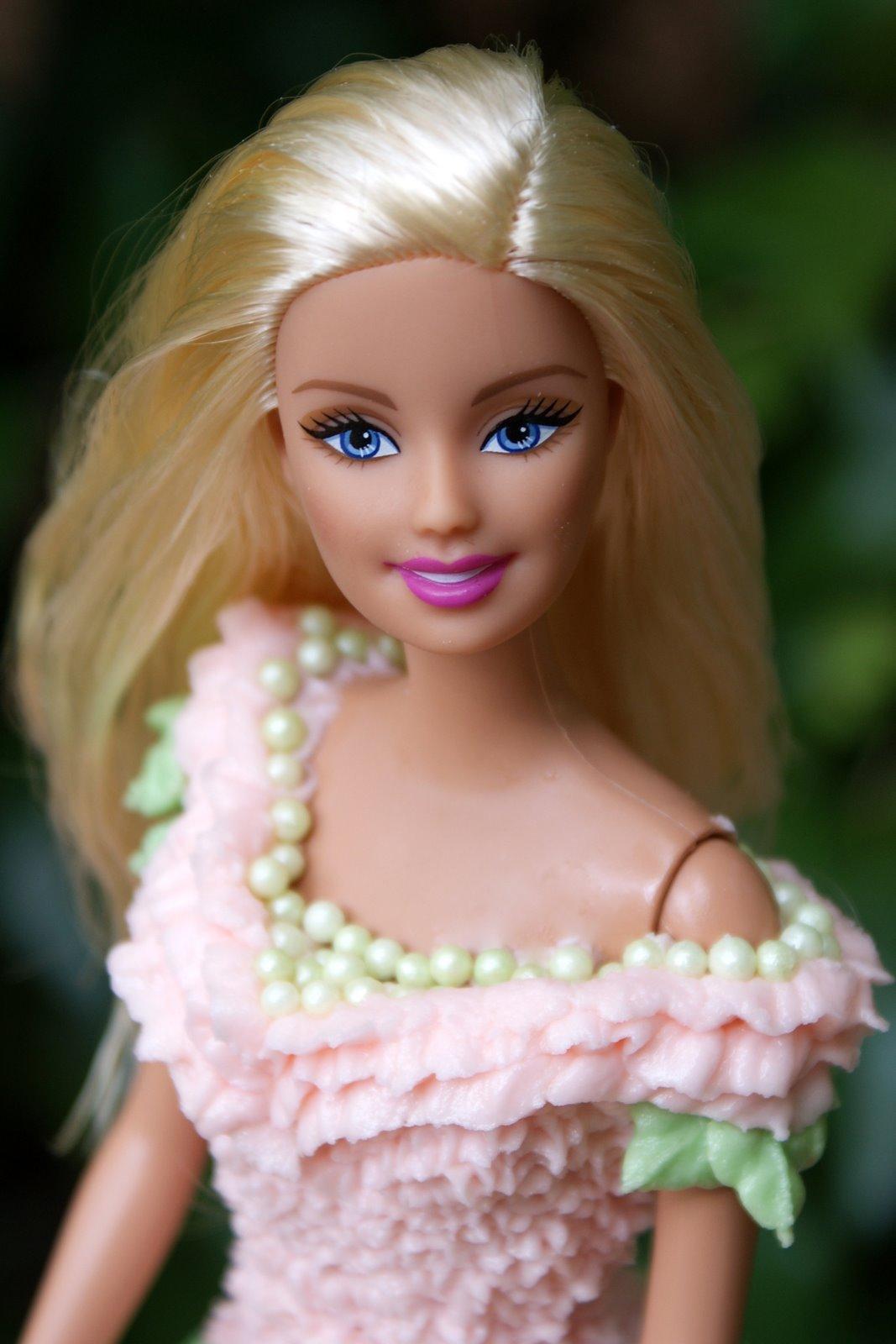 Barbie Doll Cake Pick