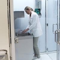 phòng rửa tay khi vào phòng sạch