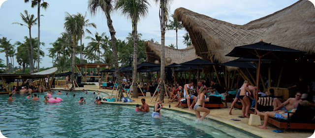 Finns+Beach+Club+Pantai+Berawa+Canggu