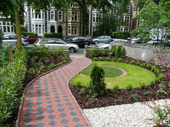 gambar desain taman di depan rumah