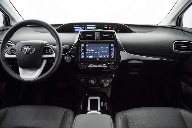 Novo Corolla 2020: interior será inspirado no do Prius
