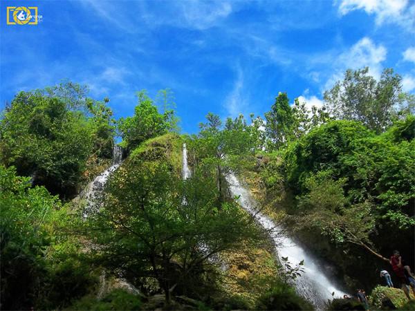 Pemandangan Air Terjun Sri Gethuk di Gunungkidul