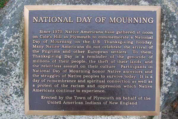 ringraziamento-lutto-indiani