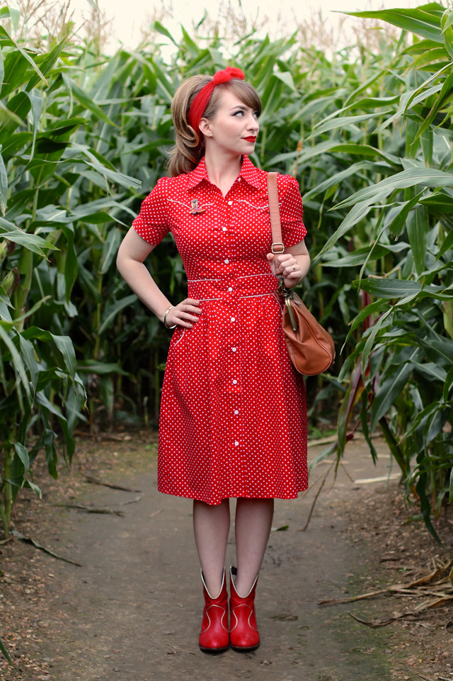 Rockabilly Gal dress by Happy Yellow Dress - 50s style polka dot shirt dress