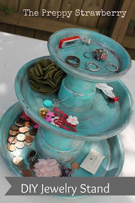 DIY Terrra Cotta Pot Jewelry Stand  {The Preppy Strawberry}