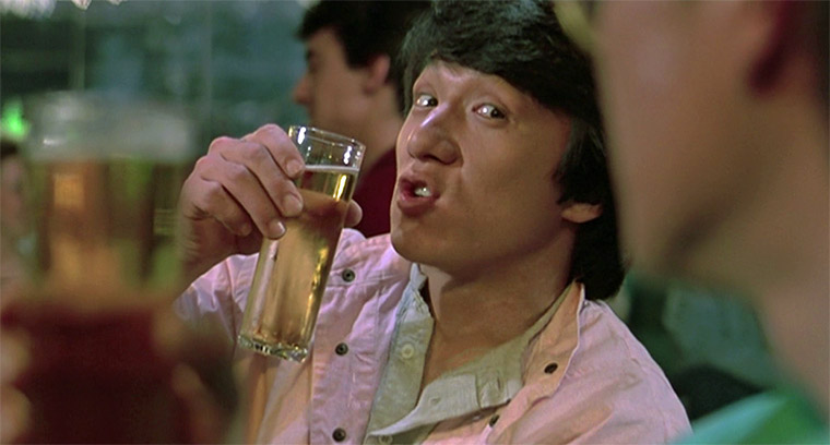 Jackie Chan in POWERMAN (Wheels on Meals, 1984). Regie: Sammo Hung. Quelle: Golden Harvest