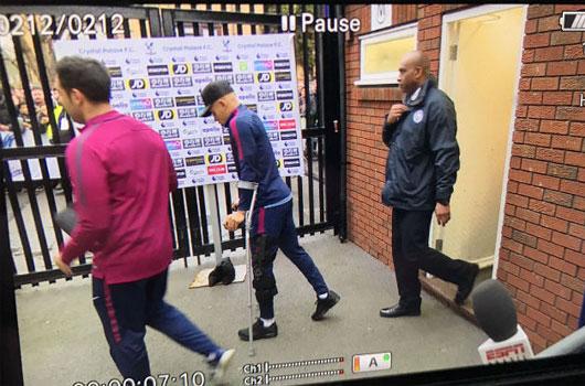 "Man City: Mất ""Tiểu Neymar"" 2 tháng, bất an với De Bruyne, Pep săn Sanchez 2"
