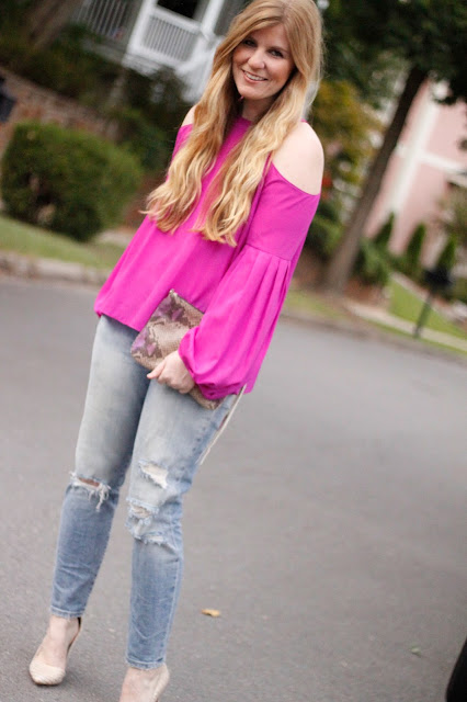 How to wear the cold shoulder trend with distressed jeans and heels