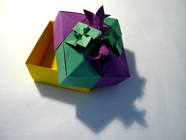 origami maniacs tomoko fuse great origami artist in the. Black Bedroom Furniture Sets. Home Design Ideas