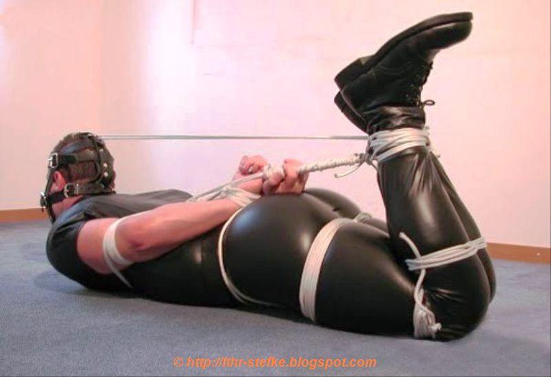 Men In Leather Bondage 93