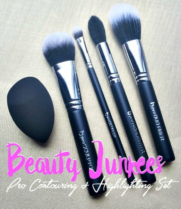 Beauty Junkees Pro Contouring and Highlight Set