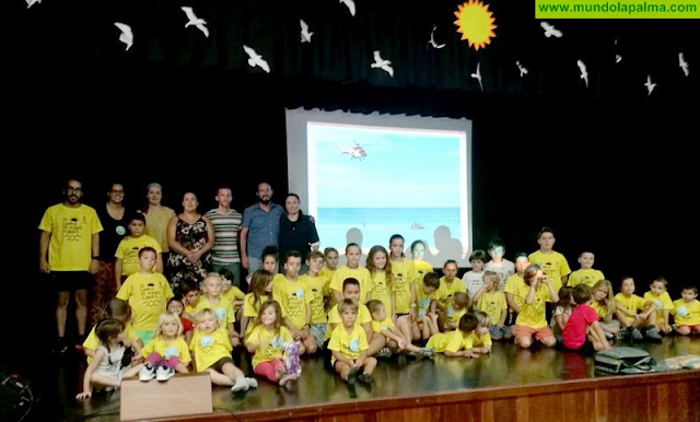 La Consejería de Emergencias acerca la labor de los grupos de rescate a menores del Campus de Verano