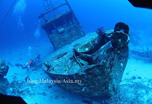 Underwater Wreck Mataking Island