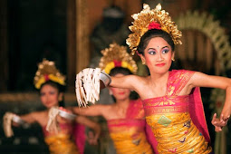 Tari Pendet Kesenian Tradisional Berasal Dari Bali