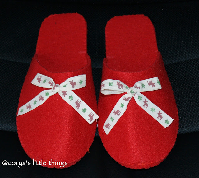 """reindeer bow felt home slippers"""