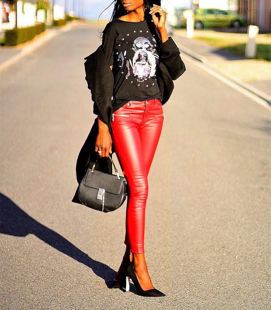 lotd-rock-givenchy-t-shirt-sac-drew-chloe-pantalon-cuir-rouge