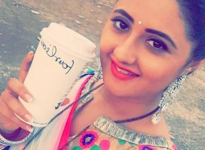 """Biodata dan Profil Foto Rashmi Desai Serial Uttaran ANTV """"Tapasya"""""""