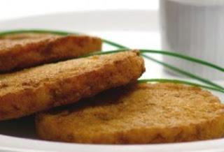 Foto do hambúrgiuer de peixe frito